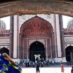 lady pray jamamasjid delhi incredibleindia